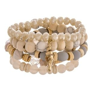 Jewelry - Gorgeous Sea-Shell Bracelet